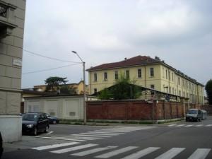 Gli edifici del D.M.M.L. (ingresso da via Barletta). Fotografia di Silvia Bertelli, 2011