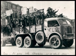 Partigiani. 25-30 aprile 1945. Archivio Istoreto. © Istoreto