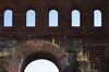 Dettaglio della Porta Palatina. Fotografia di Paolo Gonella, 2010. © MuseoTorino.