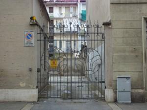 Via Venasca 18A, cancello