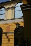 Particolare del cortile interno del Palazzo Pallavicino Mossi, già Caisotti di Casalgrasso. Fotografia di Edoardo Vigo, 2012.