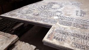 Mosaico di San Salvatore in piazza San Giovanni. Fotografia di Plinio Martelli, 2010. © Soprintendenza per i Beni Archeologici del Piemonte e del Museo Antichità Egizie