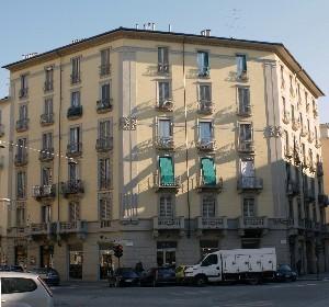 Casa di abitazione via Lauro Rossi 26 ang. corso Vercelli