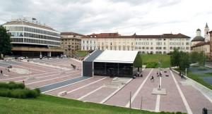 Piazza Valdo Fusi pedonalizzata. Fotografia di Nicole Mulassano, 2015