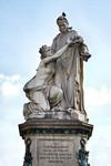 Giovanni Duprè, Monumento a Camillo Benso Conte di Cavour (statua di Cavour e dell'Italia e targa commemorativa), 1865-1873. Fotografia di Mattia Boero, 2010. © MuseoTorino.