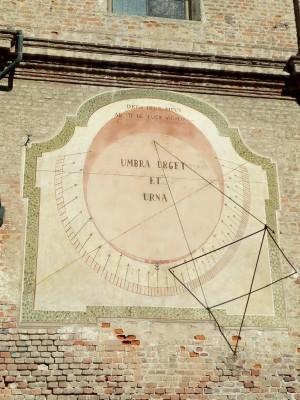 Orologio solare, Stupinigi, Chiesa della Visitazione