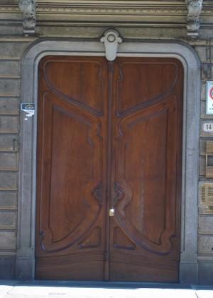 Pietro Fenoglio, Casa Pecco, 1902, particolare dell'ingresso. Fotografia L&M, 2011.