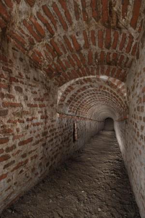 Ramo da mina nelle gallerie della mezzaluna di S. Lazzaro - Soccorso. Fotografia di Paolo Bevilacqua e Fabrizio Zannoni.
