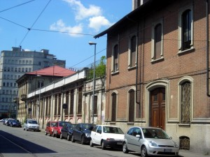 Ex Opificio Venchi – Ex Opificio Militare. L'edificio in via Fontanesi. Fotografia di Silvia Bertelli.