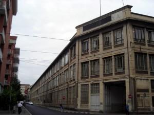 Profilo dell'edificio fra via Bologna e via Padova. Fotografia di Silvia Bertelli