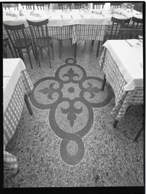 Porto di Savona, particolare del pavimento della sala, 1998 © Regione Piemonte