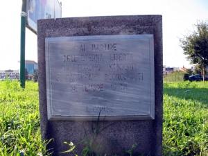 Lapide dedicata a tre partigiani sconosciuti