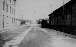 Area Michelin Torino Dora, tram e fabbriche, anni Cinquanta del Novecento © Edizioni del Capricorno