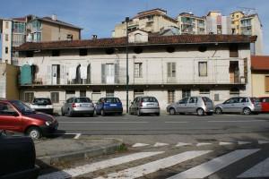 Edificio in via Petrella 13, ex via Aosta 101