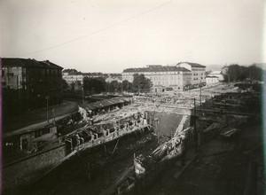 Vista verso est del cantiere durante la realizzazione della soletta de sottopassaggio ferroviario di Corso Regina Margherita, 1927-1928. Fondo Gabinio. © Fondazione Torino Musei