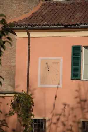 Orologio solare, Villa Matilde, già Villa Magri, già Vigna La Margherita