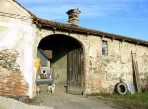 Particolare ingresso della cascina Mineur. Fotografia di Ilenia Zappavigna, 2012.