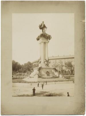 Pietro Costa, Monumento a Vittorio Emanuele II, 1882-1899. Fotografia di Giovanni Battista Berra. © Archivio Storico della Città di Torino.