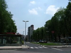 Piazza Chironi dopo la costruzione di parcheggi interrati e il ripristino della piazza. Fotografia di Paola Boccalatte, 2013. © MuseoTorino