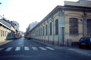 Fabbricato industriale in corso Verona 16. Fotografia di Agata Spaziante, 1997, in www.immaginidelcambiamento.it