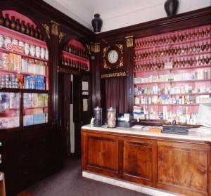 Farmacia della Consolata, interno, 1998 © Regione Piemonte