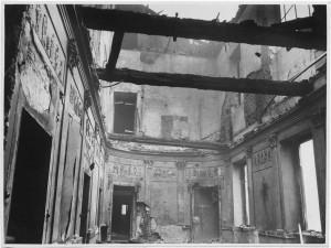 Via dell'Accademia Albertina, 6. Palazzo dell'Accademia Albertina. Effetti prodotti dai bombardamenti dell'incursione aerea dell'8-9 dicembre 1942. UPA 2611_9C03-42. © Archivio Storico della Città di Torino