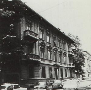 Edificio di abitazione civile in via Santa Giulia 52
