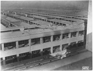 FIAT Autocentro - Stabilimento di Mirafiori. Effetti prodotti dal bombardamento dell'incursione aerea del 20-21 novembre 1942. UPA 2202_9B06-15. © Archivio Storico della Città di Torino