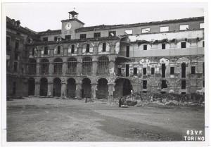 Via Arsenale 22, Scuola Applicazione Artiglieria e Genio. Effetti prodotti dai bombardamenti dell'incursione aerea del 13 luglio 1943. UPA 3609_9D06-55. © Archivio Storico della Città di Torino
