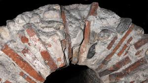 Particolare della volta di copertura del condotto fognario di età romana nel parcheggio sotterraneo di via Roma (1). Fotografia di Plinio Martelli, 2010. © MuseoTorino.