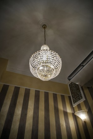 Bar Francia, lampadario nuovo, 2017 © Archivio Storico della Città di Torino