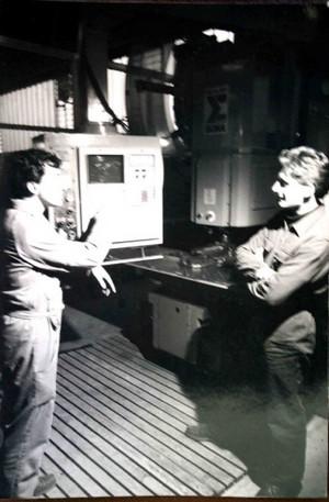 Studenti all'opera negli anni Ottanta.©Archivio Casa di Carità Arti e Mestieri.