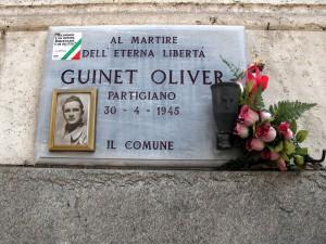 Lapide dedicata a Oliver Guinet