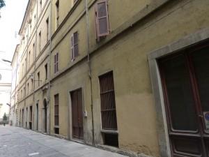 Edificio di civile abitazione e negozio in via Cappel Verde 6