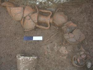 Parte dei materiali crollati insieme agli scaffali su cui erano conservati, © Soprintendenza per i Beni Archeologici del Piemonte e del Museo Antichità Egizie