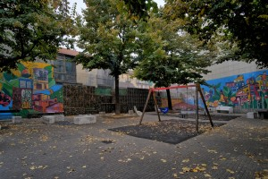 Elisa Sartori e Francesca Ars, murale senza titolo, 2011, giardinetti vie Cecchi/Piossasco. Fotografia di Roberto Cortese, 2017 © Archivio Storico della Città di Torino