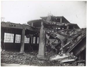 FIAT Lingotto Via Nizza. Effetti prodotti dai bombardamenti dell'incursione aerea dell'8-9 dicembre 1942. UPA 2843D_9D02-04. © Archivio Storico della Città di Torino