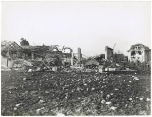 Via Pietro Cossa. Effetti prodotti dai bombardamenti dell'incursione aerea del 4-5 febbraio 1943: crollo di edifici. UPA 3411_9D06-13. © Archivio Storico della Città di Torino