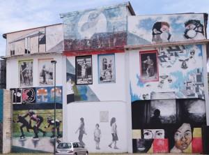 Artisti vari, murales senza titolo, 2013, giardini di via Verolengo