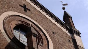 Particolare del frontone della chiesa di San Domenico (2). Fotografia di Plinio Martelli, 2010. © MuseoTorino.