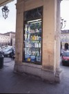 Paissa, vetrina a pilastro, 1998 © Regione Piemonte
