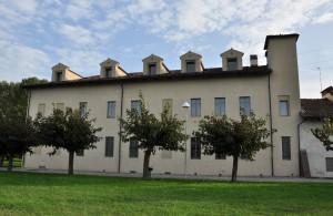 Particolara della facciata nord della cascina Marchesa. Fotografia di Ilenia Zappavigna, 2012
