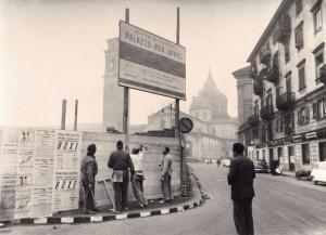 Piazza San Giovanni, sullo sfondo il Duomo © Archivio Storico della Città di Torino (GDP sez I 489_047)