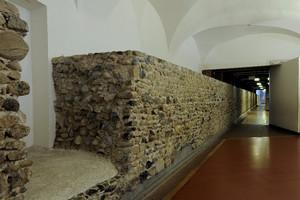 Tratto di mura romane. Museo Egizio. © Soprintendenza per i Beni Archeologici del Piemonte e del Museo Antichità Egizie.
