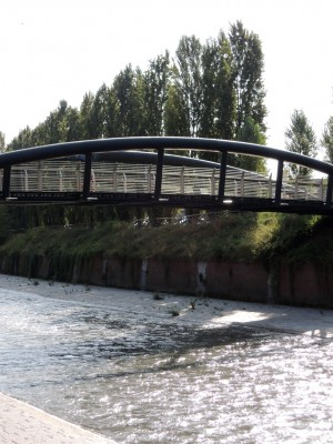 Particolare della passerella ciclo-pedonale sulla Dora. Fotografia di Edoardo Vigo, 2012.