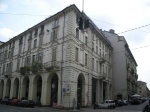 Edificio di civile abitazione e negozi Via Po 46 già 44