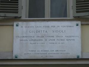 Lapide dedicata a Giuditta Sidoli. Fotografia di Elena Francisetti, 2010. © MuseoTorino.