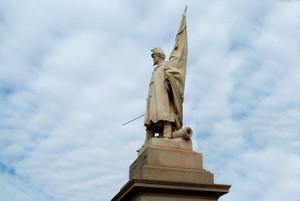 Vincenzo Vela, Monumento all'Alfiere dell'Esercito Sardo (particolare della statua), 1856. Fotografia di Fabrizia Di Rovasenda, 2010. © MuseoTorino.