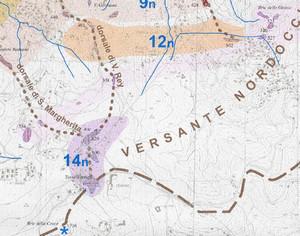 Dettaglio della carta precedente: le superfici terrazzate dell'Eremo (rigato viola, 14n), e la loro originaria estensione ipotizzata (viola chiaro). Fotografia di Maria Gabriella Forno e Stefania Lucchesi, 2005.