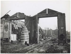 Via Rivalta 61. Stabilimento FIAT - Sezione Materiale Ferroviario. Effetti prodotti dal bombardamento dell'incursione aerea del 20-21 novembre 1942. UPA 2065_9B05-10. © Archivio Storico della Città di Torino